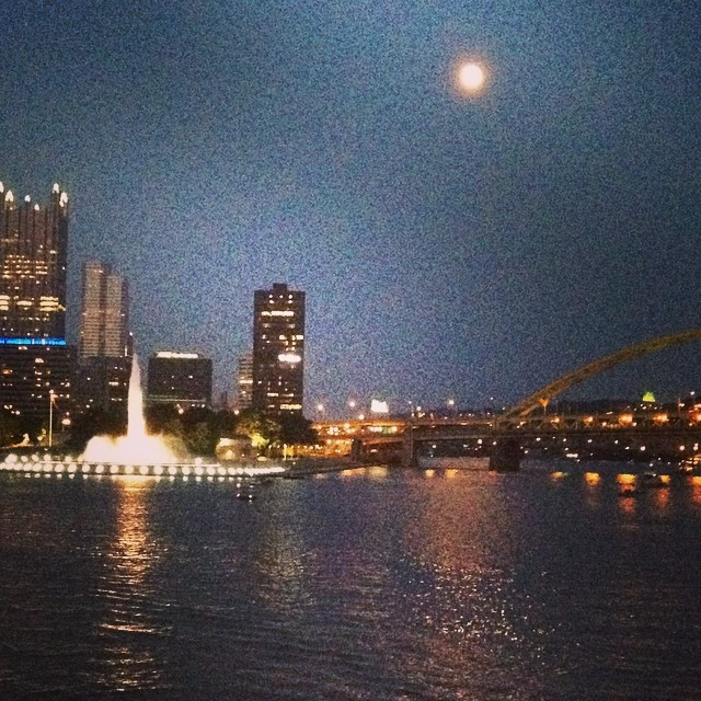 The #pittsburgh skyline  beautiful!  #gwa14.  @agrowingpassion